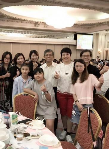 參加明愛婦女會舉辦的金曲粵韻慈善晚會